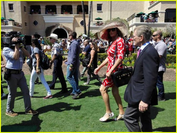 caitlyn-jenner-wears-short-red-dress-for-del-mar-racetracks-ofpening-01