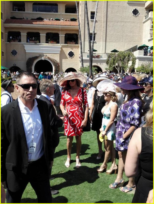 caitlyn-jenner-wears-short-red-dress-for-del-mar-racetracks-opening-01f