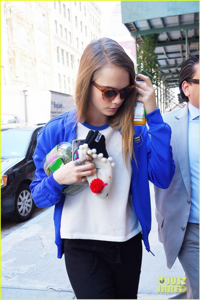 Cara Delevingne recovers after last night's premiere of 'Paper Towns'