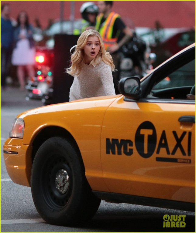 Exclusive... Chloe Grace Moretz Films 'Brain on Fire' In Vancouver