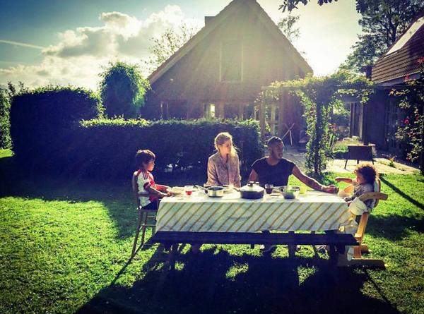 Даутцен Крез с семьей
