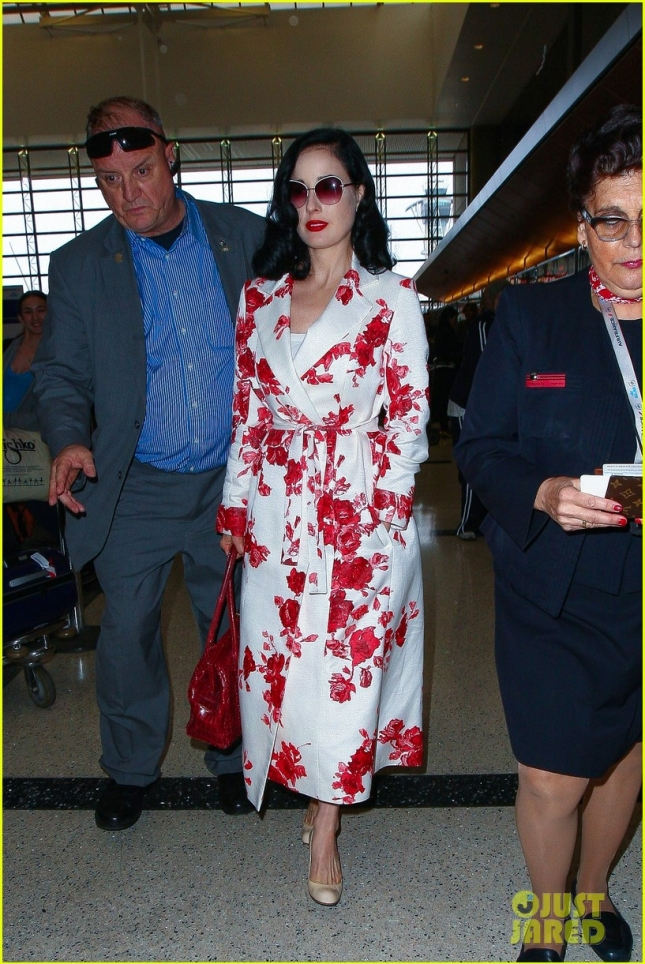 dita-von-teese-ex-marilyn-manson-opens-up-on-their-failed-marriage-03