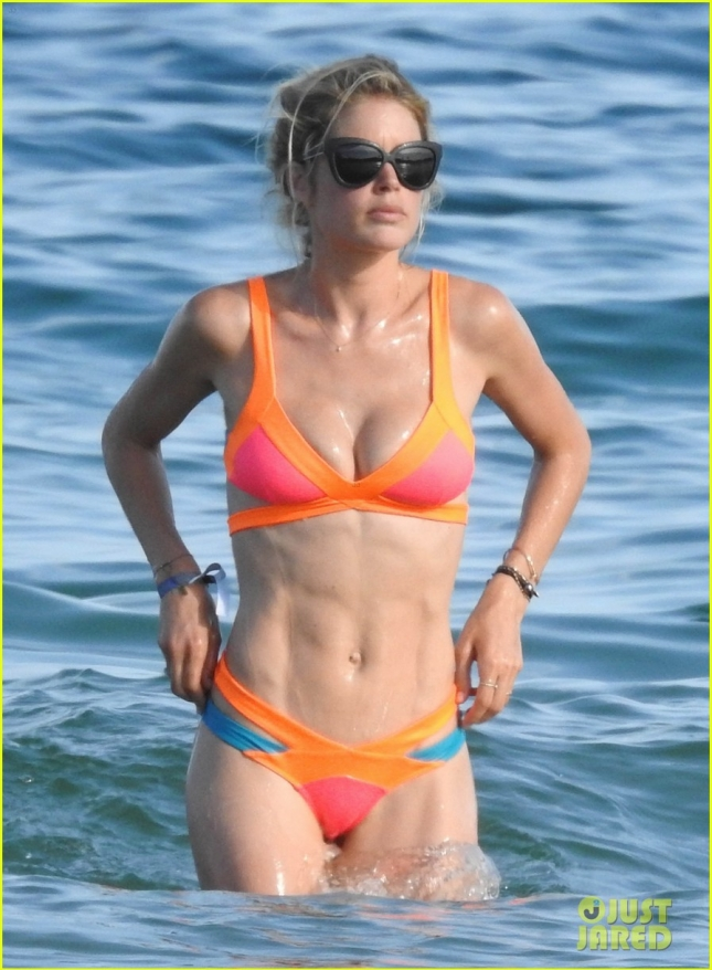 Doutzen Kroes Shows Off Her Bikini Body In Spain