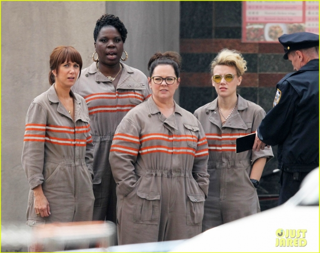 female-ghostbusters-cast-first-photo-in-costume-04