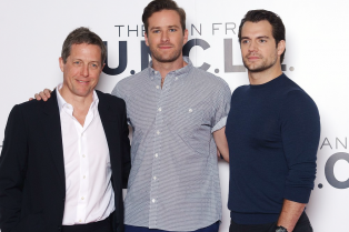 henry-cavill-kicks-off-man-from-u-n-c-l-e-promo-in-london-04