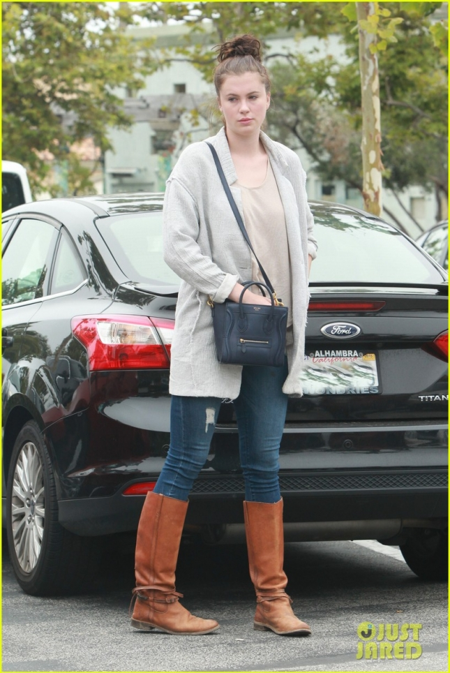 Ireland Baldwin enjoys brunch with friends and family for the 4th