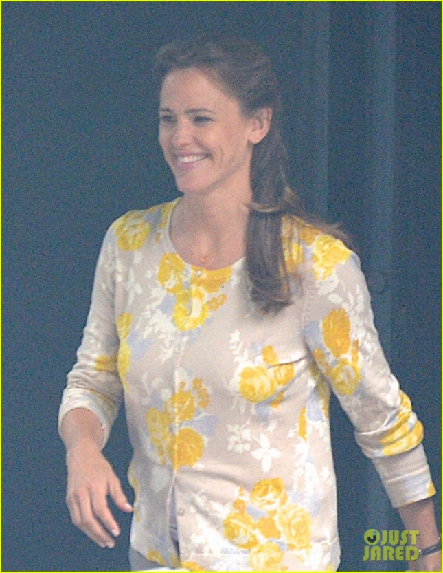 EXCLUSIVE: Jennifer Garner seen filming 'Miracles From Heaven' in Atlanta