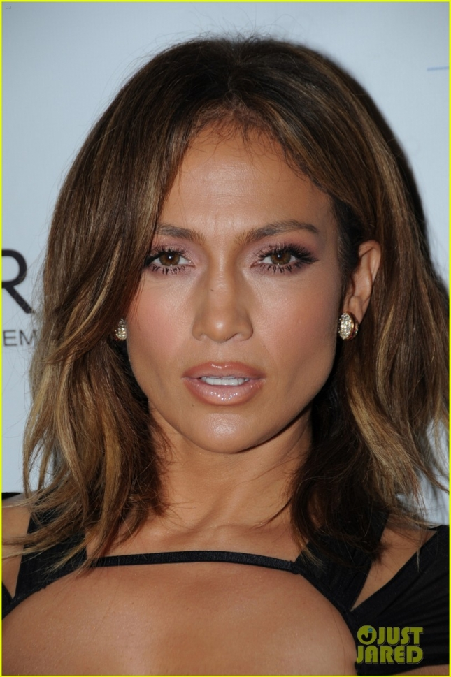 jennifer-lopez-celebrates-46th-birthday-with-casper-smart-by-her-side-08
