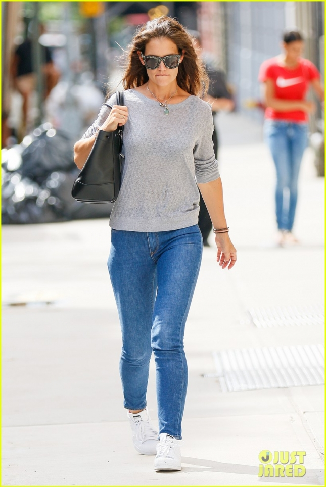 Katie Holmes Goes Casual Today In Jeans And Grey Top