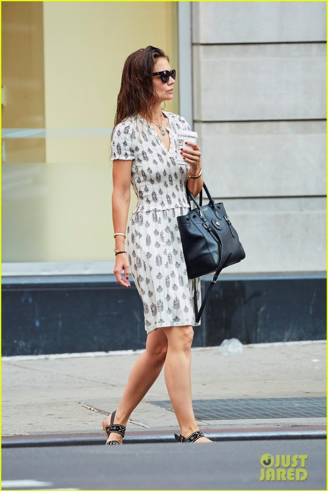 katie-holmes-ray-donovan-character-was-built-to-reflect-03