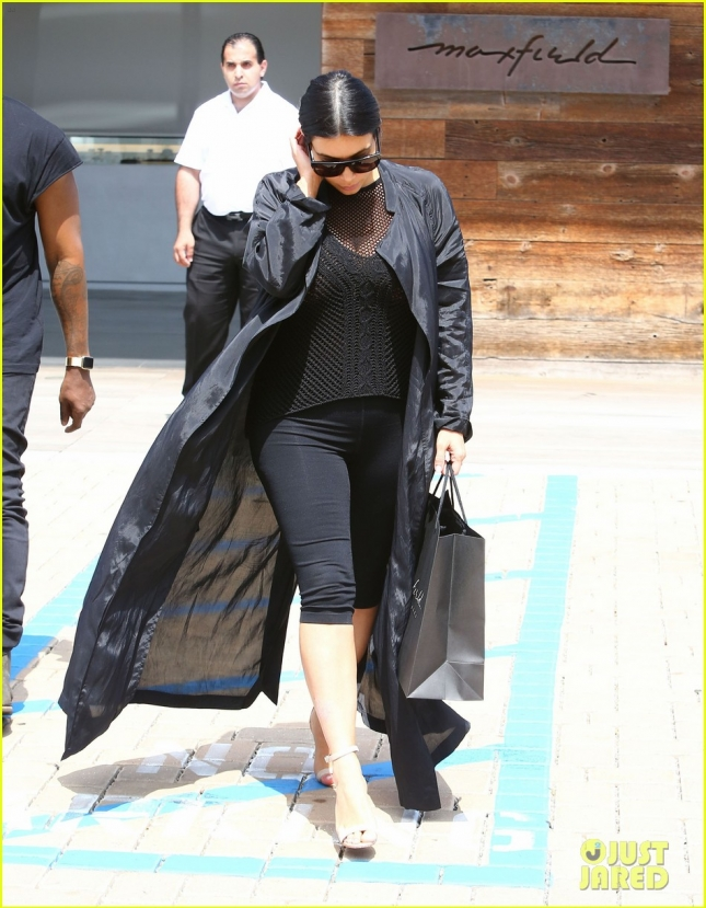 Exclusive... Pregnant Kim Kardashian & Kanye West Shopping In Malibu