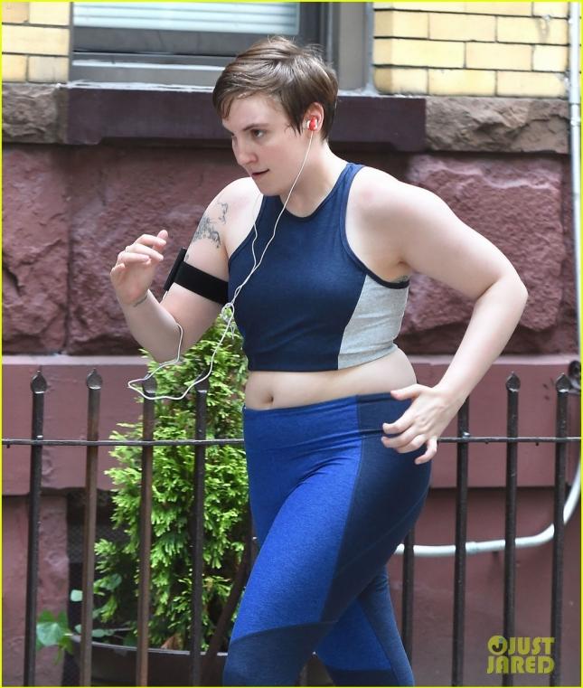 Lena Dunham goes for a run while filming 'Girls'