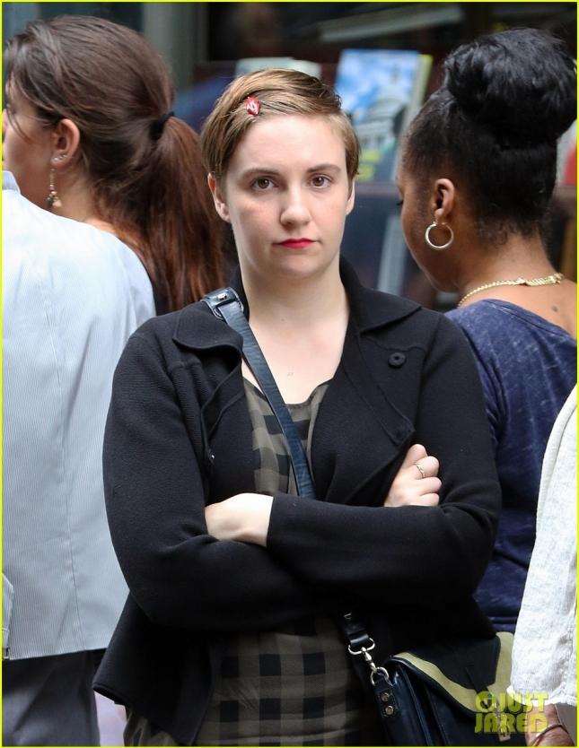 Lena Dunham On The Set of 'Girls' In NYC