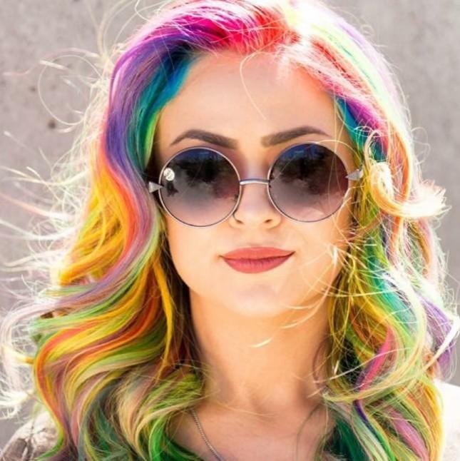 Lisa-Frank-Hair-645x646