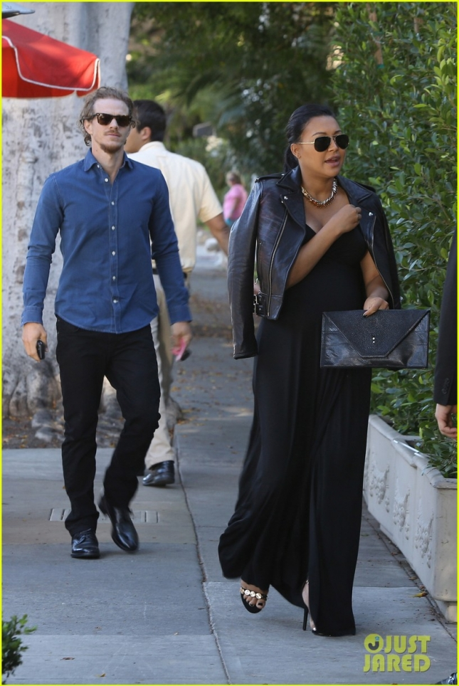 *EXCLUSIVE* Pregnant Naya Rivera and hubby Ryan Dorsey dine at Il Cielo