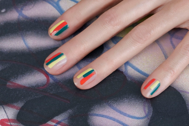 negative-space-nail-art-jin-soon-tila-march-stripes