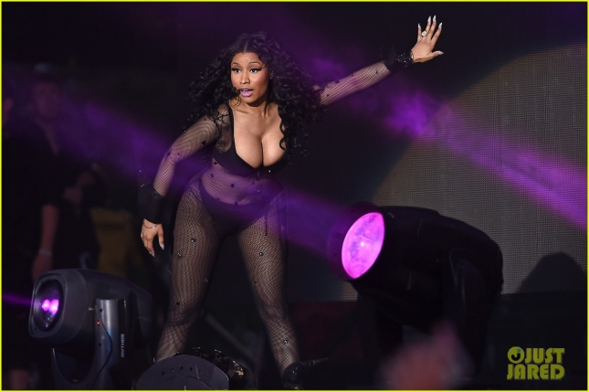 Nicki Minaj looks sexy for Wireless Festival 2015 **USA ONLY**