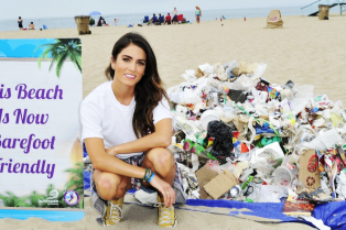 nikki-reed-barefoot-beach-trash-pickup-02
