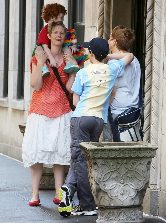 Синтия Никсон с партнершей Кристиной Маринони и детьми