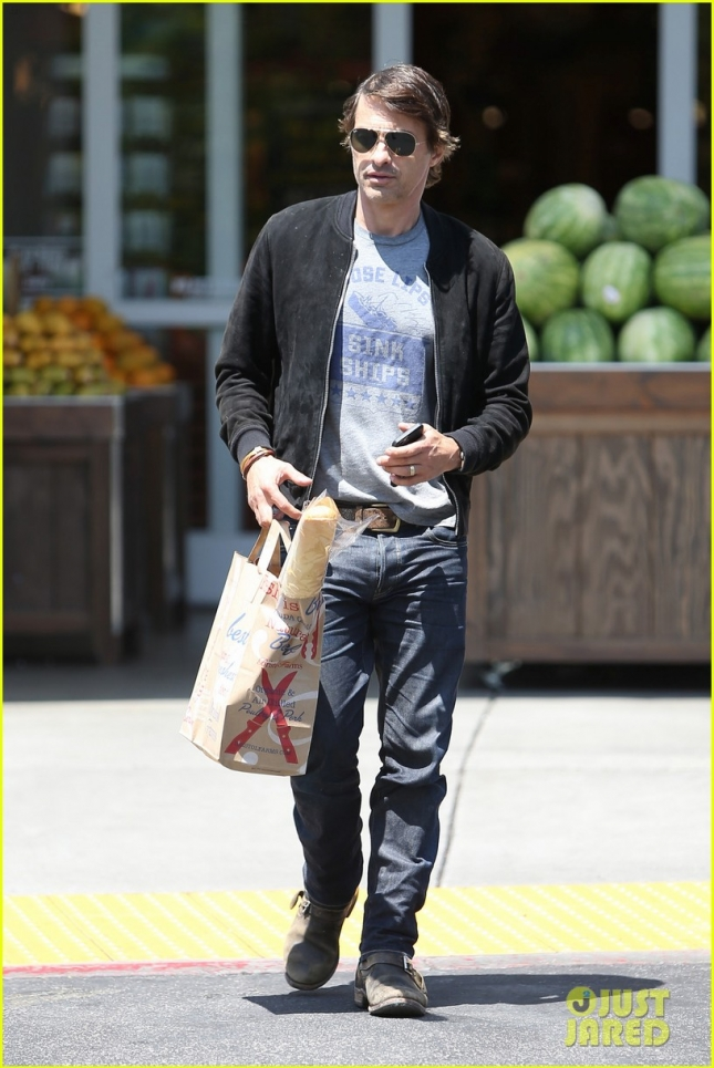 olivier-martinez-steps-out-after-his-second-wedding-anniversary-01