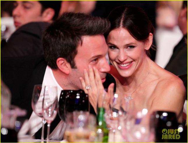 Дженнифер Гарнер и Бен Аффлек официально объявили о разводе после 10 лет брака