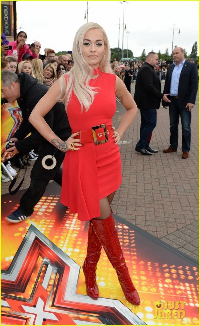 Рита Ора на фотоколле X Factor-а в Манчестере