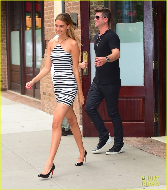 robin-thicke-lived-nightmare-when-marriage-crumbled-01