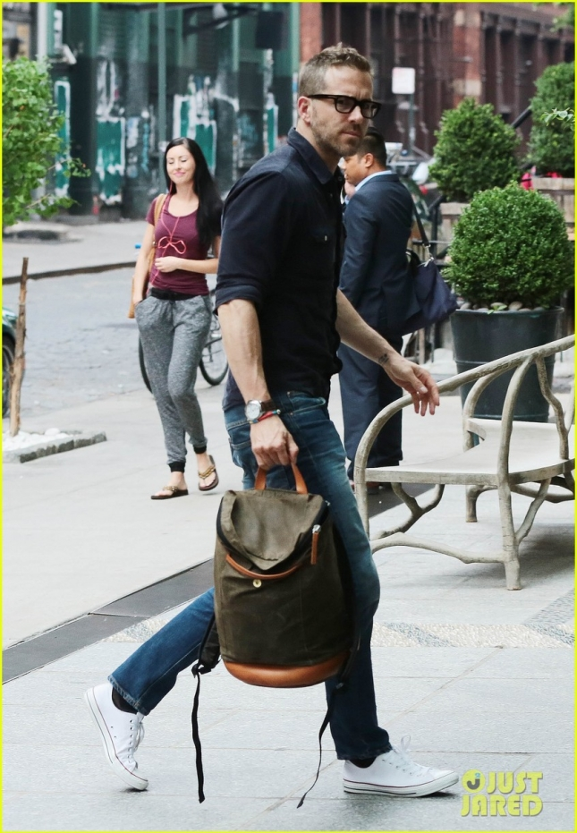 ryan-reynolds-admits-making-baby-carrier-mistake-watch-now-01