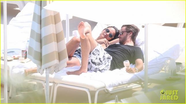 scott-disick-ex-girlfriend-chloe-bartoli-get-cozy-in-monaco-02