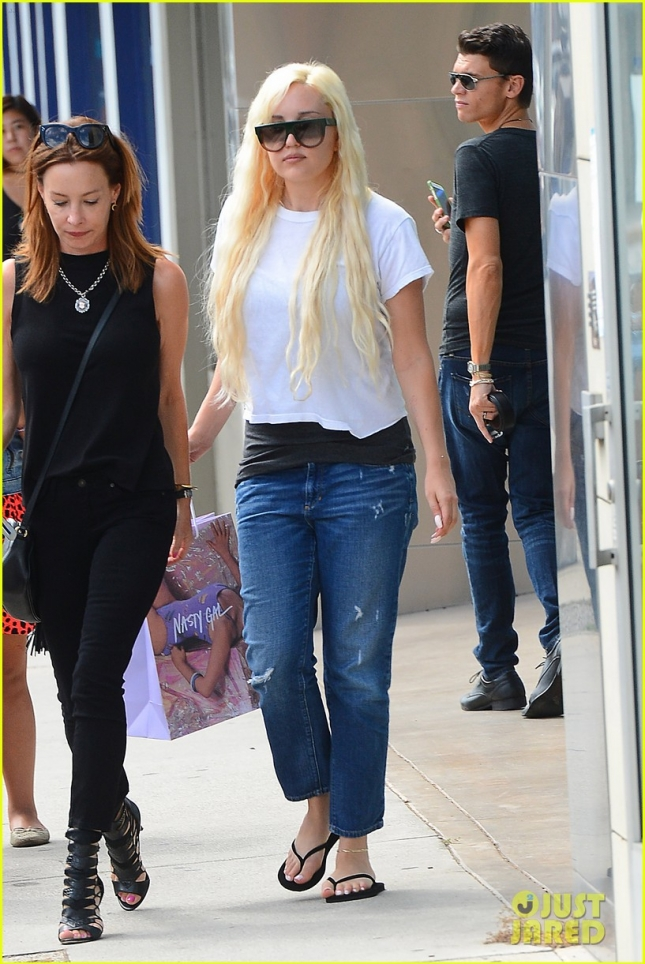 Amanda Bynes Shops at Nasty Gal on Melrose