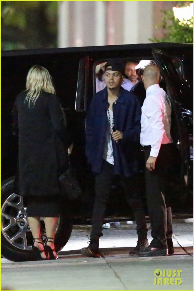 *EXCLUSIVE* Ashlee Simpson and Evan Ross celebrate Evan's birthday at Matsuhisa