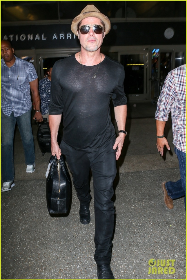 Brad Pitt returns from London through LAX **USA ONLY**