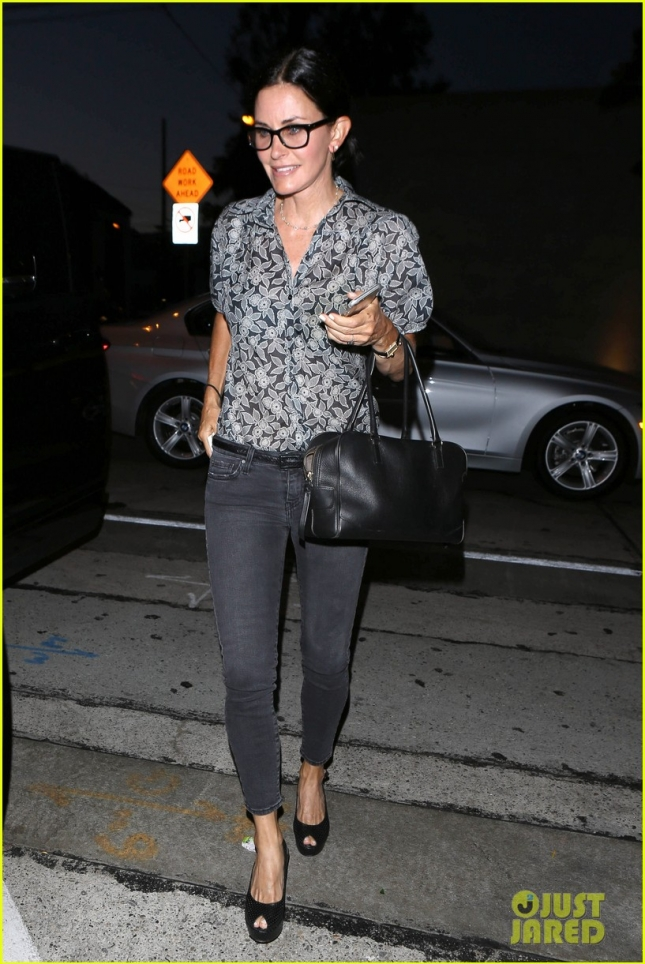 Courteney Cox dines at Craig's Restaurant after Jennifer Aniston's wedding - Part 2