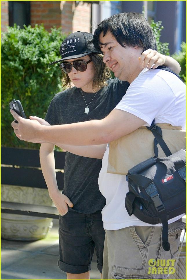 Ellen Page and girlfriend Samantha Thomas match their necklaces