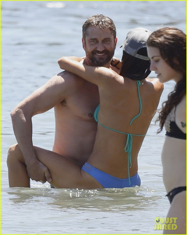 Exclusive... Gerard Butler & Morgan Brown Pack On The PDA In Malibu