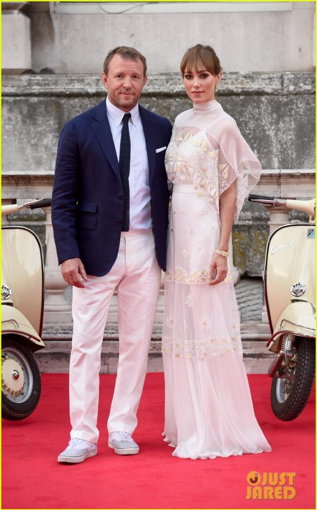 Гай Ричи с женой