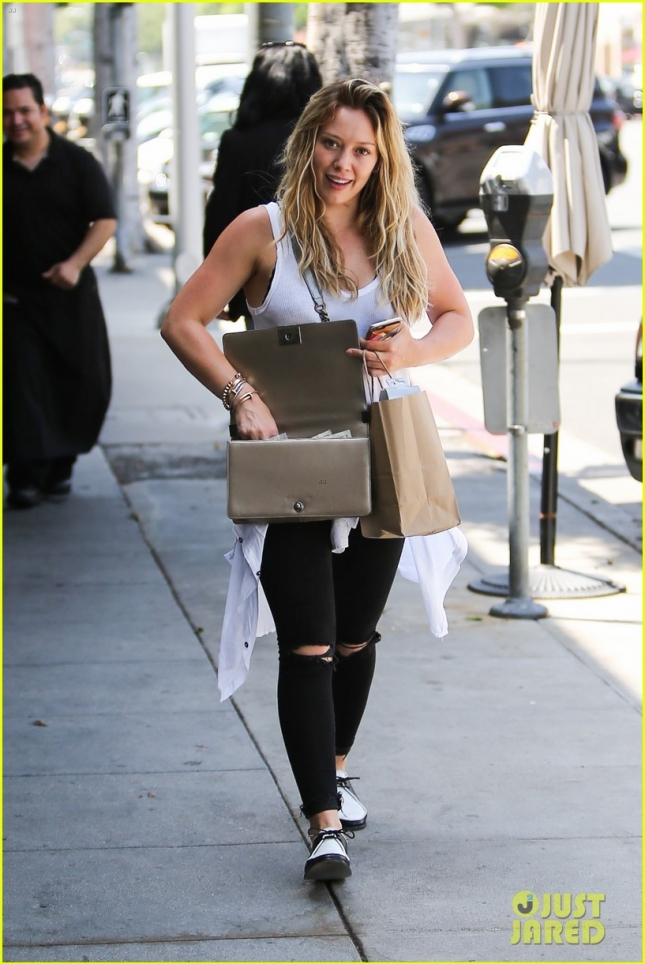 Hilary Duff steps out for some retail therapy