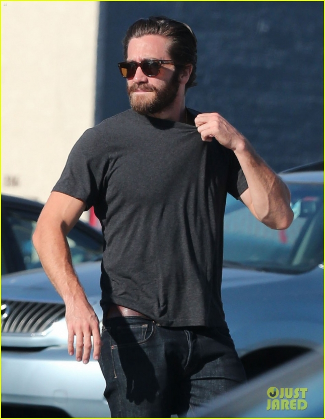 Exclusive... Jake Gyllenhaal Out For Lunch In Hollywood