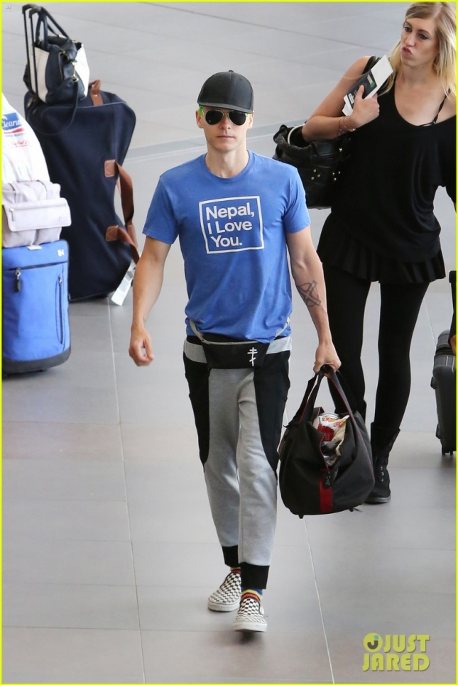 "Jared Leto catches a flight with Green Hair & wears a Fanny Pack after filming ""Suicide Squad"" in Toronto"