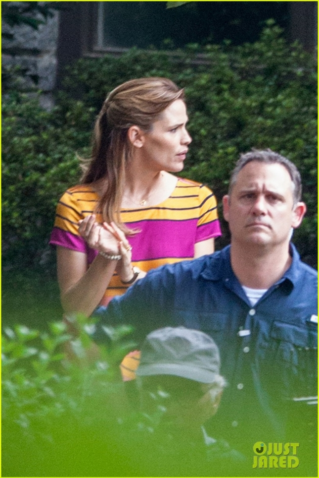 Jennifer Garner keeps busy on the set of 'Miracles From Heaven'