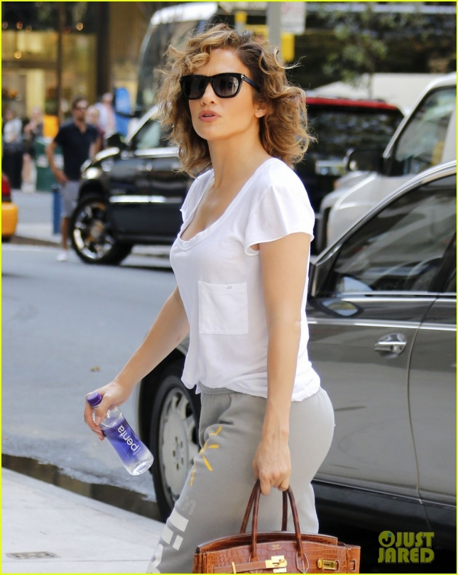 Jennifer Lopez Steps Out In New York