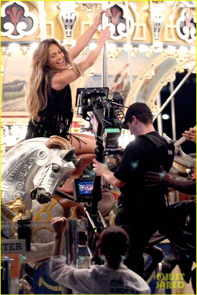 Jennifer Lopez and Alvaro Soler get direction from Casper Smart on music video set **USA ONLY**