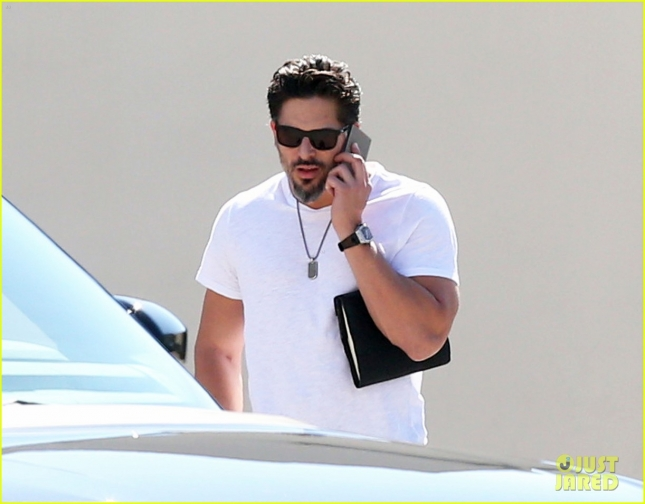 Exclusive... Joe Manganiello Lunches At Cafe Roma