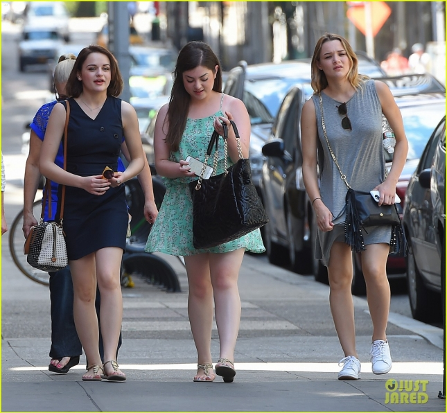 Joey King enjoys a family outing in the Big Apple