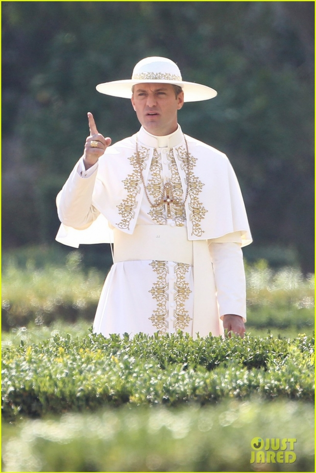 Jude Law films The Young Pope with co-star Diane Keaton **USA ONLY**