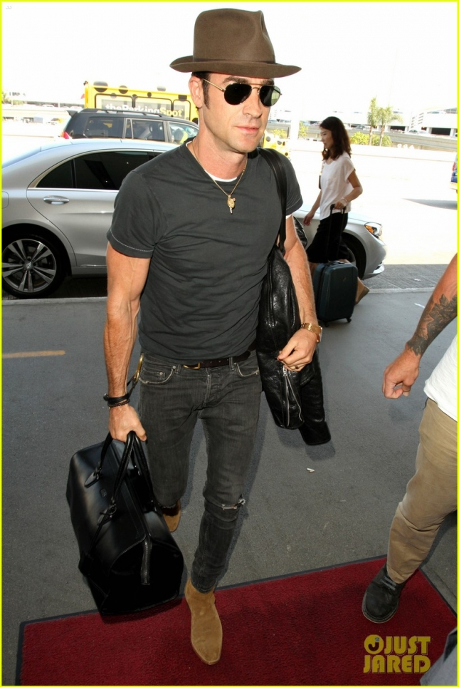 Justin Theroux heads out of town to get back to work after honeymoon