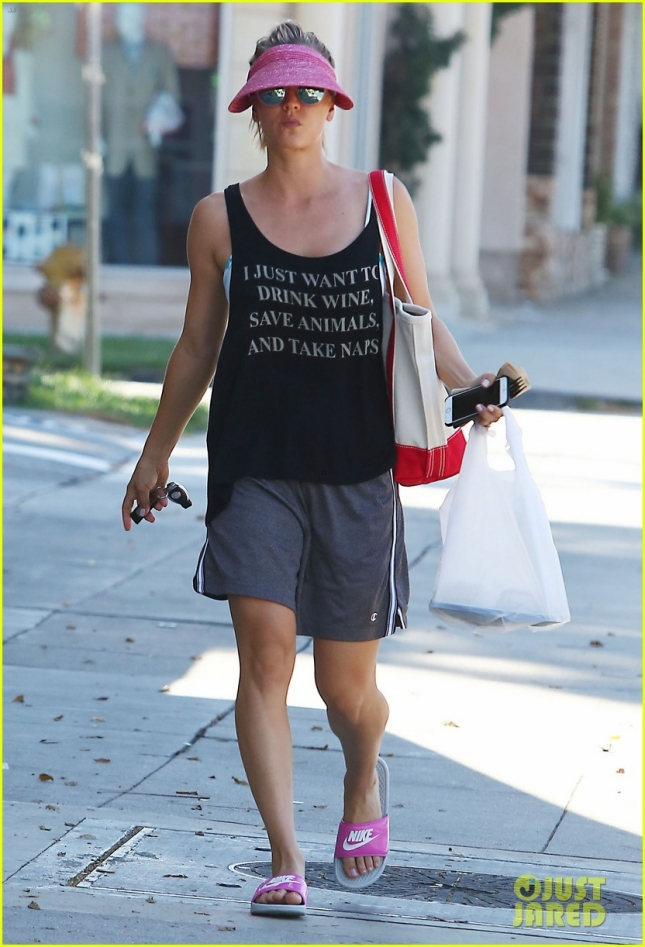 Kaley Cuoco Attends A Yoga Class In Studio City