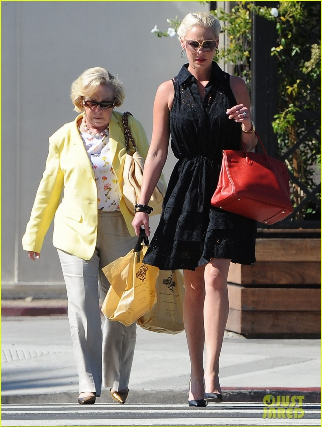 Katherine Heigl Out For Lunch With Her Mom
