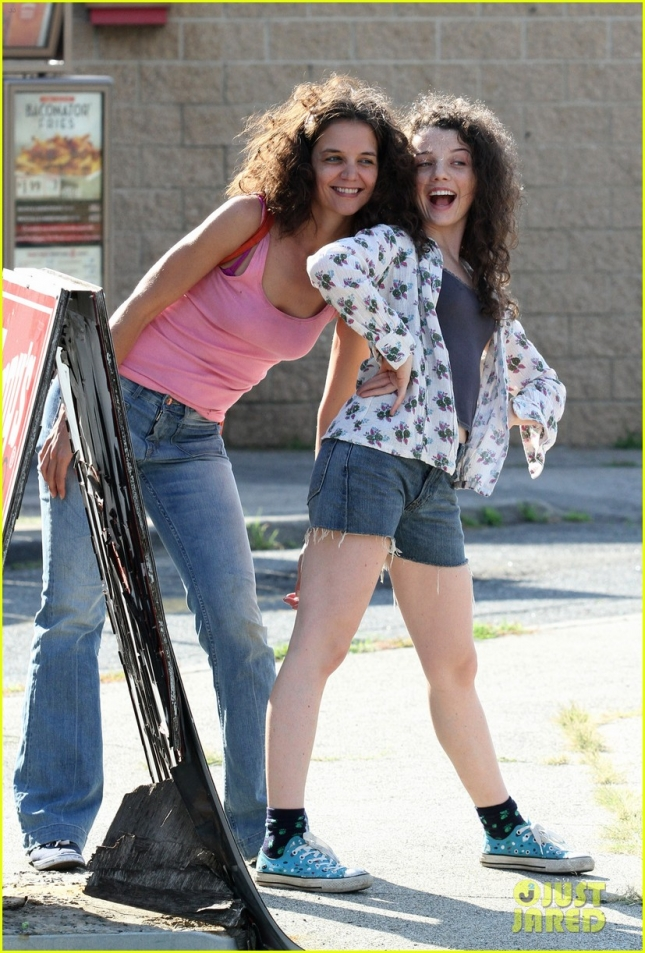 "A disheveled Katie Holmes prances on set while filming ""All We Had""**USA ONLY**"