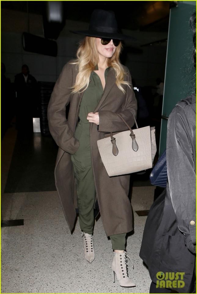 Khloé Kardashian dressed like a spy at LAX Airport